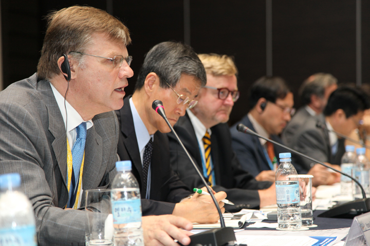Roundtable Discussion at Yeosu Declaration Forum