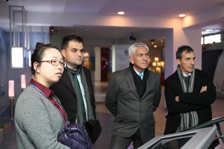 Visit by Marine Scientific Researchers of Columbia_image0